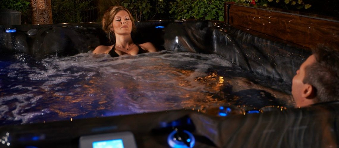 Strong Spas Elements-lifestyle-image-1900x550-77
